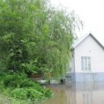 Подтоплены дом рядом с управлением МЧС