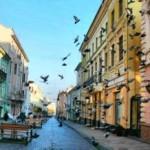 Поездка в Черновцы на майские праздники стоит в пределах 1500 гривен на человека