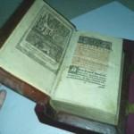 С библиотеки Вернадского в Киеве украли книгу Апостол 1574 года