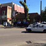 Утром вооруженные люди в камуфляжах заблокировали вход к частной фирмы в Черновцах