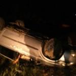 В Черновцах пьяный водитель решил скрыться от полиции и перевернулся