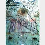 Разрушен храм несет свой крест