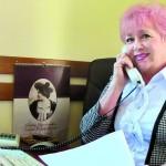 Офис может работать без шефа, но не без секретарши