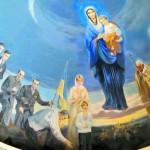 Под покровом Богоматери – святое семейство Ющенков