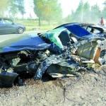 BMW разорвало пополам